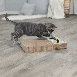 Trixie - Trixie Kedi Tırmalaması Oyuncaklı 38X30 cm Beyaz